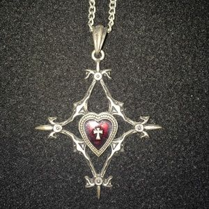 Gothic Queen of Hearts Necklace